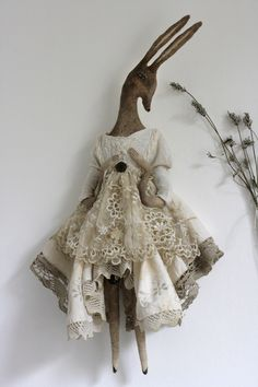 Pantovola creates magical Fairytales with handmade Art Dolls, Textile Art Decor and Mixed Media Objects. Art Textile, Textile Artists, Fabric Dolls, Fabric Art, Textiles, Handmade Toys, Handmade Art Dolls, Doll Maker, Soft Sculpture