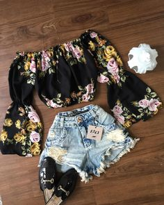 40 Off Shoulder Outfits to Look Stylish In Hot Summer Days - Outfit & Fashion Summer Outfits For Teens, Cute Teen Outfits, Teen Fashion Outfits, Teenager Outfits, Cute Fashion, Pretty Outfits, Stylish Outfits, Cool Outfits, Off Shoulder Outfits