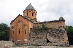 Işhan monastery, georgian church ruin, turkey country - Click photo to visit site and view larger image Byzantine Architecture, Turkey Country, Orthodox Christianity, Click Photo, Georgian, Barcelona Cathedral, Religion, Mansions, History