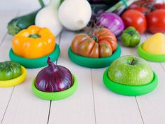 Food Huggers are a set of four patent-pending reusable silicone covers that help preserve the freshness of leftover fruits and vegetables.