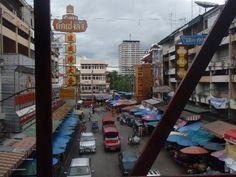 a bussling chiang mai street