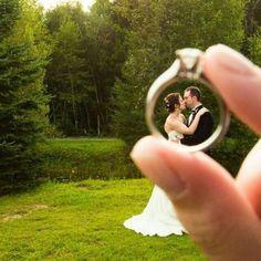 Apaixonadas por #casamento vão amar esta foto linda. Inspire-se! #wedding #ring