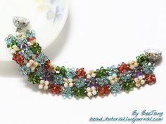 RAW tutorial - This is a classic right angle weave embellished base with very good pictures. Very easy. Use any larger bead if you don't have enough crystals. #seed #bead #tutorial