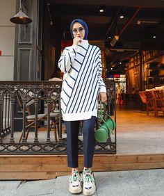 Modern Hijab Fashion, Street Hijab Fashion, Muslim Fashion, Modest Fashion, Fashion Outfits, Indian Fashion, Casual Hijab Outfit, Hijab Chic, Hijab Dress