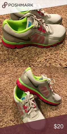 Women's Nike Dual Fusion ST2 BRAND NEW! Nike Shoes Athletic Shoes