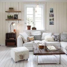 Historie og sjarm preger Nina sitt hus i Holmestrand, vinneren av tredjeplassen i årets Norges vakreste hjem. Bli med inn!