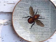 Decoupage lautaset. Hyönteisaihe mieluinen kuin myös pikkulinnut. Wanhanajanhenki. Yleisringin tykkäyslistastani saa lisäinspiraatiota kuva-aiheisiin ;)
