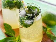 Mojito cubain - hats for women - Comfort Food Recipes Cocktail Party Food, Party Food And Drinks, Cocktail Recipes, Cocktails, Cocktail Drinks, Alcoholic Drinks, Greek Recipes, Italian Recipes, German Recipes