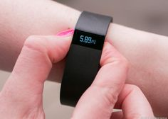 Fitbit halts sale of Force fitness band, issues recall due to skin irritation