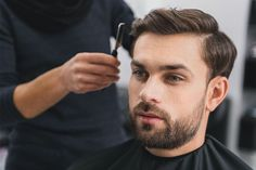 Men's hairstyles have always evolved over the years, but while there might be a few missteps along the way (bowl cuts and mullets are generally seen as Trending Hairstyles For Men, New Men Hairstyles, Face Shape Hairstyles, Classic Hairstyles, Haircuts For Men, Popular Haircuts, Crochet Braids, Hair Style Image Man, Style Hair