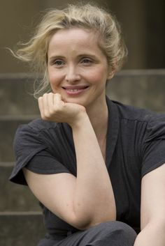 Julie Delpy is a French-American actress, director, screenwriter and singer-songwriter. Description from nidz.info. I searched for this on bing.com/images