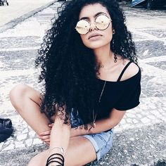 This pin was discovered by maisie page. Long Curly Hair, Curly Girl, Natural Curls, Natural Hair Styles, 3b Hair, Ex Girl, Big Curls, Hair Blog, Perfect Curls