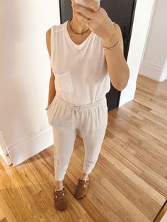 Dicas de Looks para Ficar em Casa and Stay Stylish Converse All Star, Dress Up, Home Outfit, Skinny, Birkenstock, Sweaters, Peplum, Outfits, Women