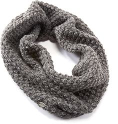 Wrap up in the soft acrylic REI Tube scarf to keep cold winter winds from nipping at your neck and face.