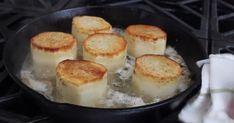 Kartoflen som er i en klasse for sig – så let laver du den Vegetarian Recipes, Cooking Recipes, Fondant, Dessert Recipes, Desserts, Food And Drink, Pudding, Snacks, Breakfast