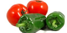 Jak zpracovat rajčata a papriky Stuffed Peppers, Vegetables, Food, Red Peppers, Meal, Stuffed Pepper, Eten, Vegetable Recipes, Meals