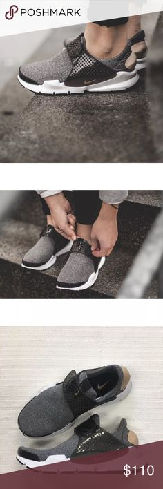 Women's Nike Sock Dart SE Low Running Sneakers Women's Nike Sock Dart SE Low Running Sneakers takes a minimalist approach with a stretchy knit upper designed for a comfortable feel and a streamlined look. Style/Color: 862412-001  * Women's size 7  * NEW in box (no lid) * No trades * 100% authentic Nike Shoes Sneakers