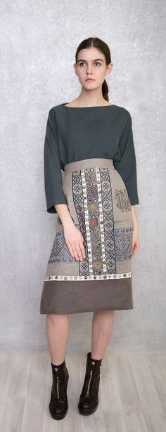 Фартук из коллекции Levadnaja Details. Идеален поверх платья мягких оттенков.