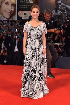Actress Natalie Portman attends the premiere of 'Jackie' during the 73rd Venice…