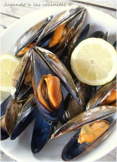 Good Food, Yummy Food, Spanish Cuisine, Microwave Recipes, Canapes, Tapas, A Table, Seafood, Healthy Recipes