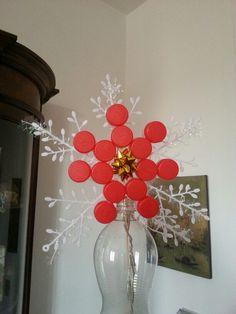 Stella Albero di Natale fatta con i tappi delle bottiglie di plastica.  Handmade - by B&B La Ginestra
