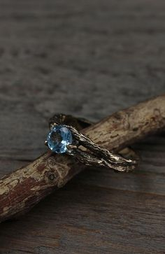 Branch engagement ring with topaz and diamond by WeddingRingsStore. Womens yellow gold Tree wedding ring Branch engagement ring with topaz and diamond by WeddingRingsStore. Twig Ring, Ring Verlobung, Branch Ring, Pretty Rings, Beautiful Rings, Topas, Dream Engagement Rings, Alternative Engagement Rings, Magical Jewelry