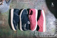 New Balance WRT300 #現正販售中 WRT300源自於1979年CT300網球鞋, 而WRT300則是專為女性而誕生,搭載輕量化RevLite中底, 鞋身後方則是有著秋冬最in的呢絨反光織紋, 作工細節都不容小覷的優雅精緻!