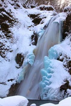 ICE WATERFALL Akiufall in Winter, Japan