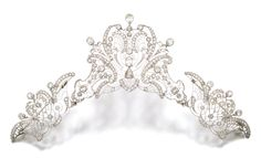 Antique Tiara, Italy (ca. 1910; diamonds). Detachable into three brooches.