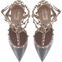VALENTINO Rockstud Slingback Kitten Stone Studded leather slingback... (€685) ❤ liked on Polyvore featuring shoes, pumps, heels, valentino pumps, nude shoes, stiletto pumps, studded pumps and gray pumps