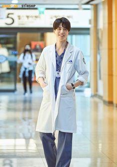 [이동욱] 예진우, 네가 찔렀지? 심평원 말고 내 심장♡ : 네이버 포스트 Doctors Korean Drama, Korean Drama Movies, Lee Dong Wook Drama, Lee Dong Wook Wallpaper, Lee Dong Wok, Kdrama, Kang Haneul, Yoo Gong, Nam Joohyuk