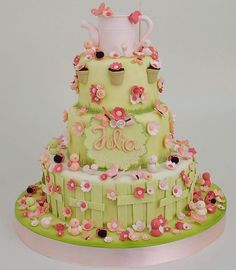 Tema: Minha primeira Primavera. Nosso bolo e doces viajaram 500km para adoçar e alegrar a festa de um aninho da Júlia. #lisfonseca #lisfonsecasugar #lisfonsecasugarcraft #sugar #sugarcraft #bolo #bolodecorado #boloinfantil #cake #cakedesign #festa #festainfantil #kidsparty