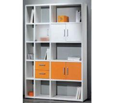 Composición de estanterías en color blanco combinado con naranja