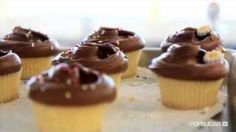 Video About How To Make Magnolia Bakery Vanilla Cupcakes.
