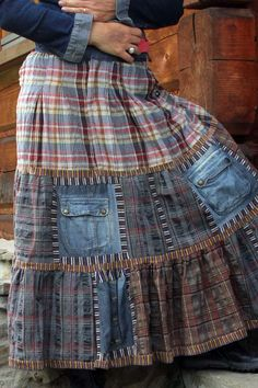 DIY, Old Jeans Rock Making, sind gemacht . Couture Fashion, Diy Fashion, Ideias Fashion, Fashion Ideas, Altered Couture, Sewing Clothes, Diy Clothes, Couture Skirts, Denim Ideas