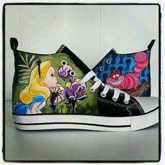 358253bd Zapatillas Pintadas A Mano, Zapatos Decorados, Zapatos Hermosos, Alicia  Pais Maravillas, Alicia
