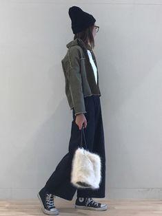 カーキ×ブラック☺️ ミリタリージャケットの、 BACKデザインがポイント❤️ ご覧くださりありがと Fashion 2018, Lazy, Winter Fashion, Normcore, How To Wear, Style, Winter Fashion Looks, Winter Outfits, Winter Dress Fashion