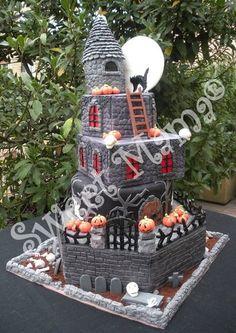 Halloween castle Cake by SweetMamaMilano