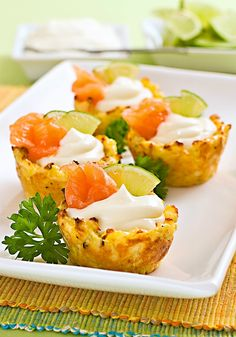 Party Dishes, Bruschetta, Salmon Burgers, Baked Potato, Food And Drink, Potatoes, Baking, Breakfast, Ethnic Recipes