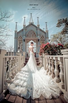 【NO.9獨家-安曼皇室美背款魚尾禮服】 AMAN ROYAL高級訂製款 不論是在教堂舉行婚禮 或是拍攝美美的婚紗照 都展現出新娘的氣勢氛圍唷~ 了解更多最新獨家的手工訂製款婚紗: http://no9-wedding.com/blog/ 融合性感美背與高雅時尚, 搭配貼身剪裁的腰臀曲線 呈現高雅大方的女人味 水水們絕不能錯過此款魚尾手工婚紗 以細膩蕾絲鑲上華麗晶鑽,充滿絕美層次感~ ❣️在婚禮上必能成為長輩好友們最美、最亮眼的焦點唷!!! 搶先曝光更多獨家AMAN ROYAL系列手工婚紗: http://no9-wedding.com/blog/ 想盡快體驗獨家設計安曼皇室手工婚紗嗎? 請點選以下網址填寫預約單唷! http://no9-wedding.com/填寫預約單/ 搜尋:no9wedding第九大道 NO.9 痞客邦上線囉! 歡迎點選參考: http://no9wedding.pixnet.net/blog #拍攝景點 #莫內秘密花園