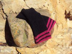 Mitones Black-Fuchsya de lana. Ganchillo tunecino (crochet)