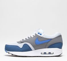 purchase cheap 4d8bb cb3ca Baskets Nike Air Max 1 Essential Femme -
