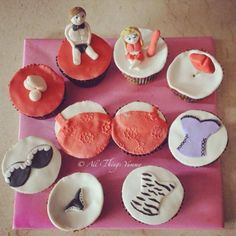 Bachelorette Cupcakes - Hen's Night Cupcakes with Super Cute Decor Elements | All Things Yummy #allthingsyummy #bachelorette #cupcake #lingerie