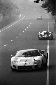 GT40 - one of the most timeless supercars ever. As fresh now as it was when it first rolled out. Awesome