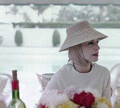 Palm Beach 1960 - Gloria Guinness (born Gloria Rubio Alatorre; 1912 – 1980). Gloria Guinness died of a heart attack at her home, Villa Zanroc in Epalinges, Switzerland at the age of 68. While the circumstances surrounding her death in 1980 remain clouded to some, there is no doubt Gloria Guinness was among the 20th century's best-dressed women of the world. She was a socialite & fashion icon of the Twentieth Century, as well as a contributing editor to Harper's Bazaar from 1963 until 1971.
