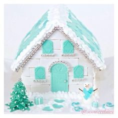 My kinda ginger bread house Aqua Christmas, Christmas Games, Christmas Colors, Christmas And New Year, Christmas Cookies, Christmas Ornaments, Blue And Silver, Red And Blue, Pink Turquoise