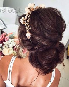 Gorgeous twisted updo wedding hairstyle inspiration #weddinghair #hairstyle #hairinspiration #weddinghairstyleideas