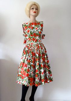 1950s Dress / Cotton Sundress with Bow Detail / pretty petunia