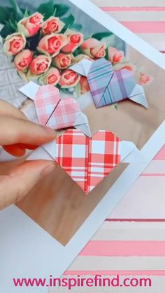 Paper Flowers Craft, Paper Crafts Origami, Paper Crafts For Kids, Origami Paper, Origami Dress, Oragami, Diy Paper, Diy Crafts Hacks, Diy Crafts For Gifts