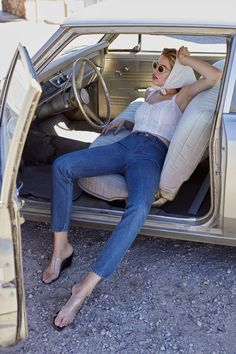 Hailey Clauson Goes on a Chic Road Trip in Reformation Looks Modern Style Looks, My Style, Vacation Outfits, Summer Outfits, Winter Outfits, Hailey Clauson, Mod Girl, Look Vintage, Spring Summer Fashion
